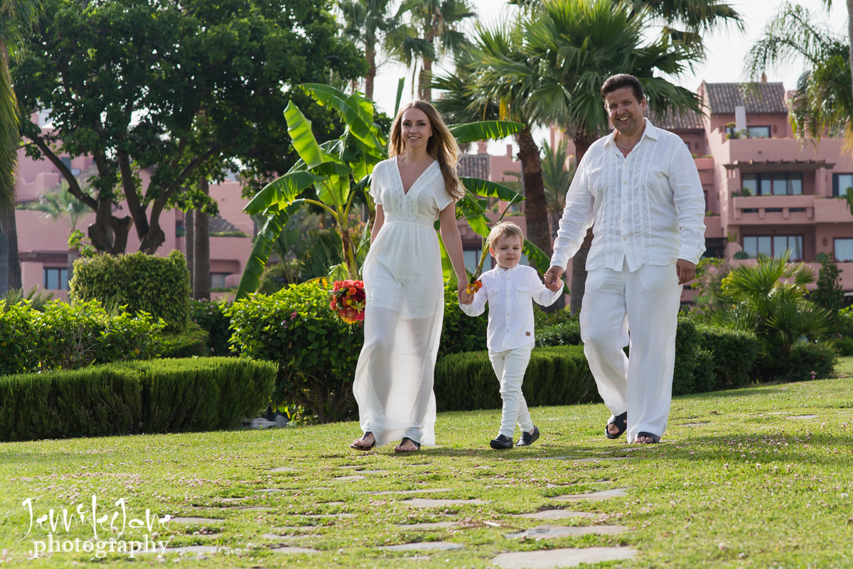 family-photo-shoot-tikitano-beach-restaurant-estepona